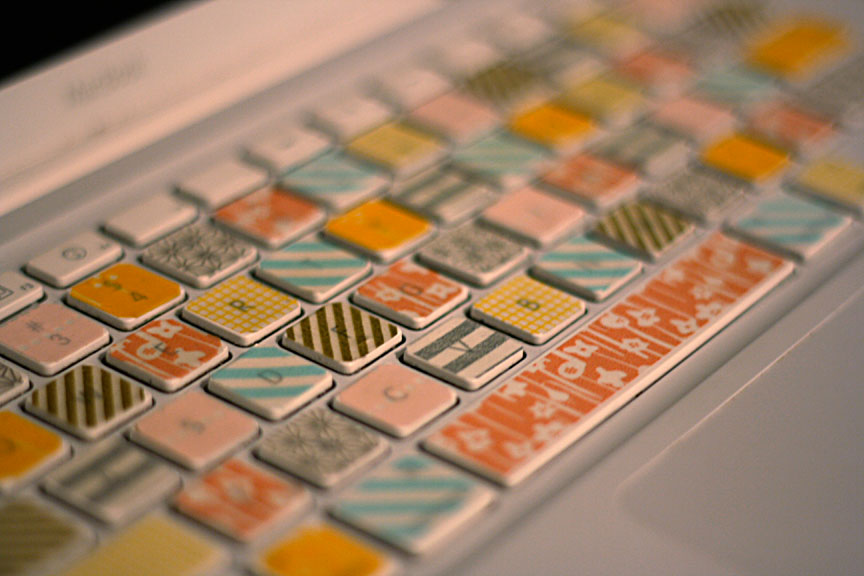 teclado-decorado-con-washi-tape