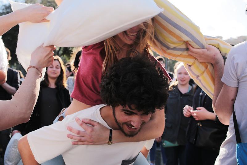 pillow fight barcelona 2016
